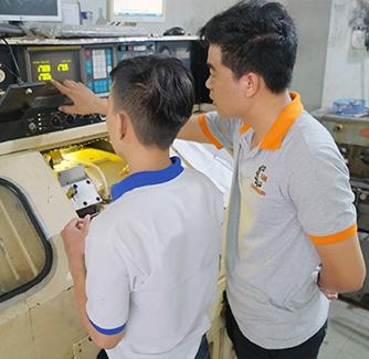 Vận Hành Tiện CNC